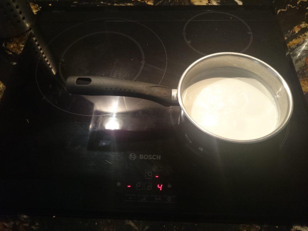 Pochando la patata y la cebolla.