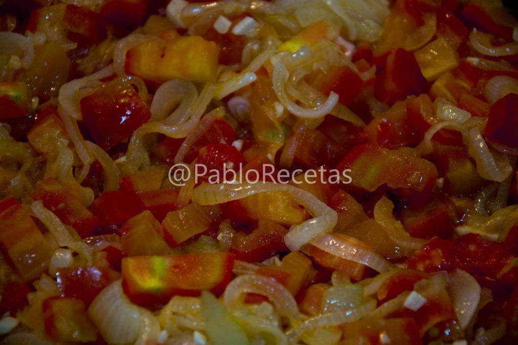 Cebolla y tomate.