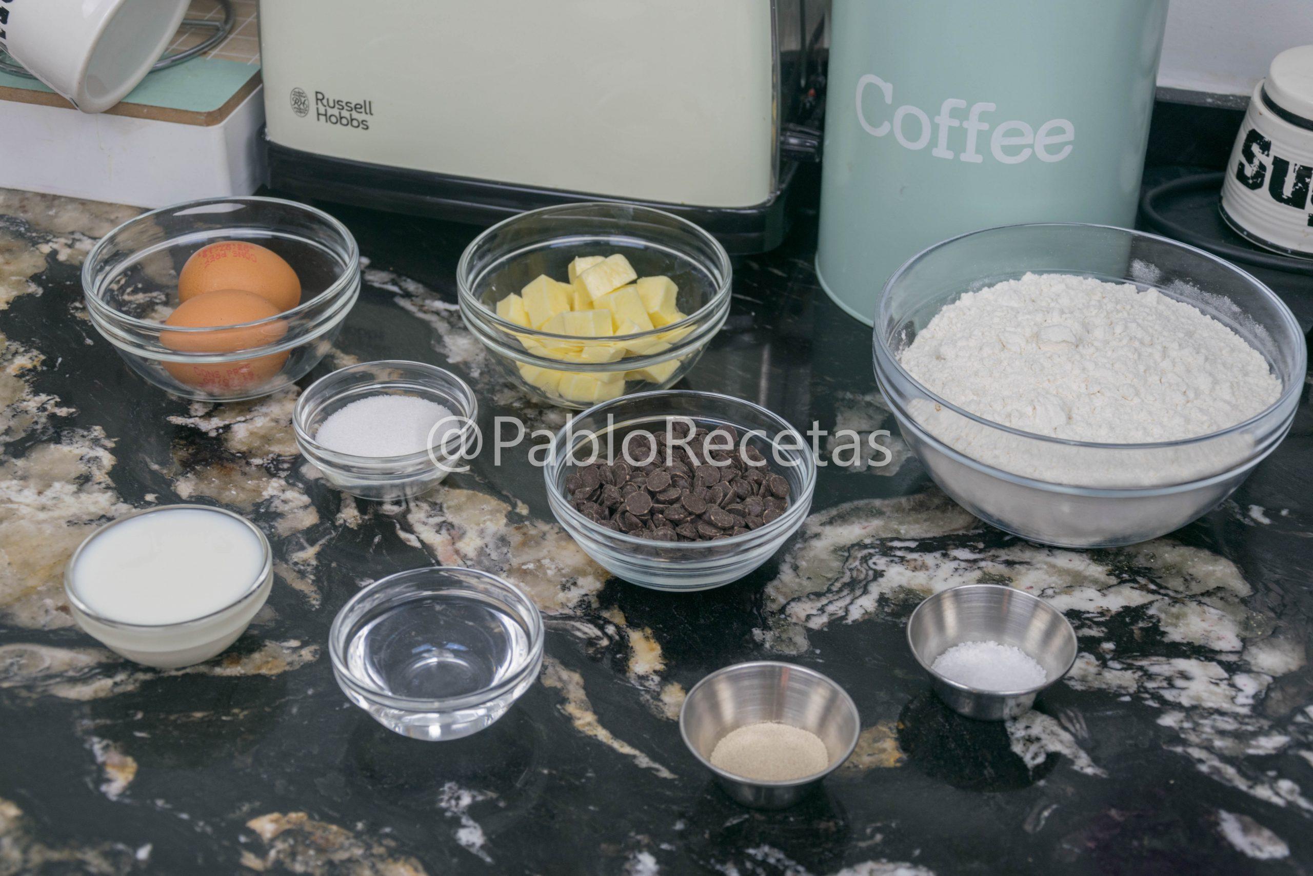 Ingredientes de bollos de chocolate.
