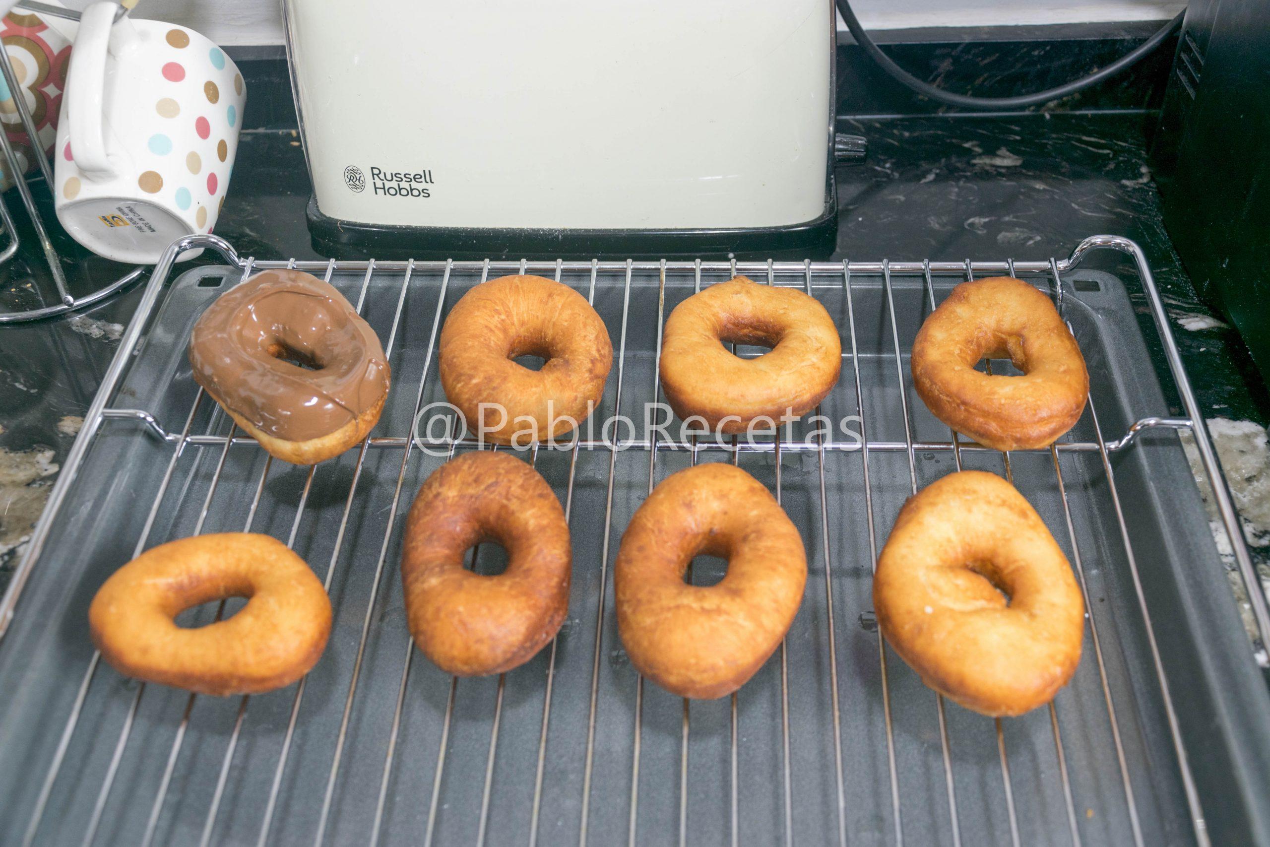 Reposando los donuts.